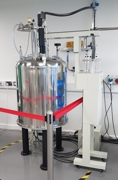 NMR spectroscopy: JEOL ECS 400 MHz